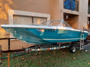 16 foot bayliner with trailer and 90 hp for Sale in Coral Springs, FL