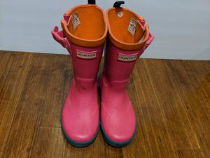 US kid size 11-12, Pink Hunter Rain Boots for Sale in Chicago, IL