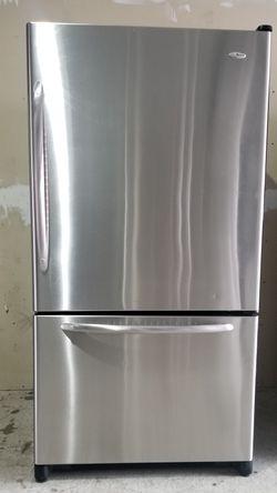 AMANA stainless steel bottom freezer Fridge for Sale in Portland,  OR