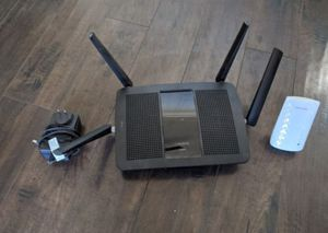 Linksys Wireless Router & WIFI Extender for Sale in Phoenix, AZ