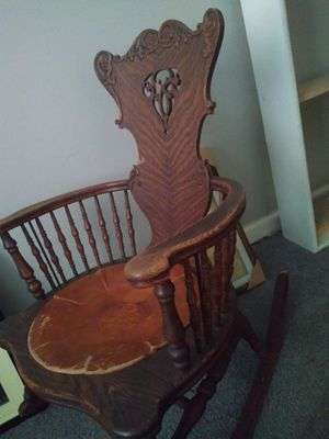Antique rocking chair. for Sale in Columbus, OH