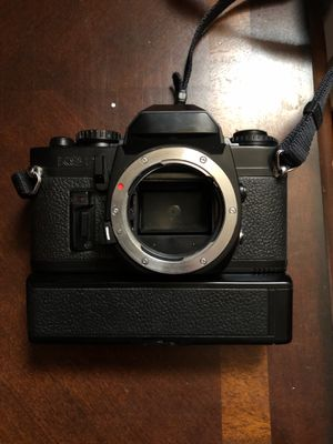 1982 Sears KS-2 vintage camera with 3 lenses and electronic flash for Sale in Las Vegas, NV