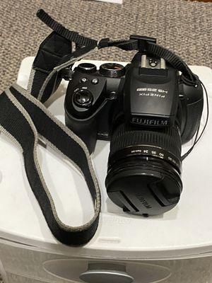 Fuji camera 16 mp works great for Sale in Aurora, IL