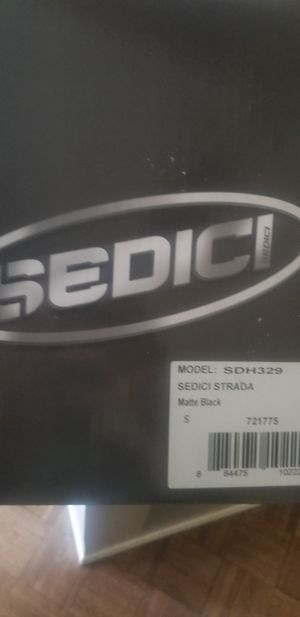 Sedici Strada motorcycle helmet worn twice for Sale in BELLEAIR BLF, FL