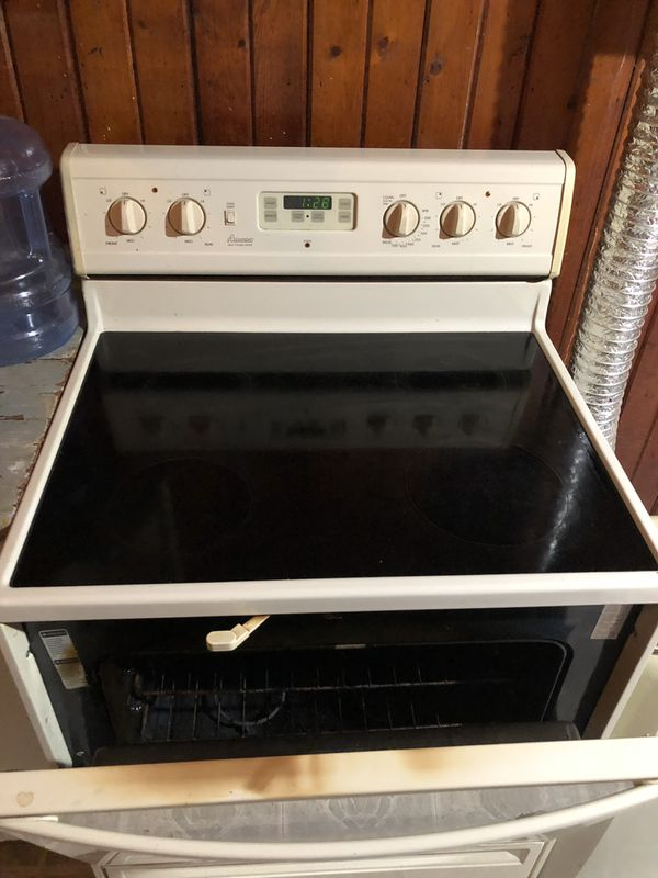 AMANA self cleaning stove