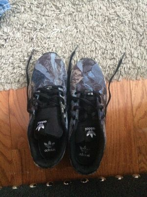 Adidas Zx Fluz size 7 for Sale in Aspen Hill, MD