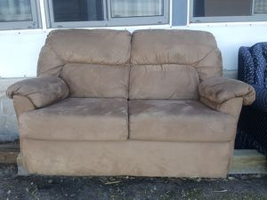 Suede loveseat great condition for Sale in Winter Garden, FL