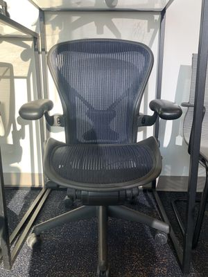 Pre-owned Office Furniture in All Kind! Herman Miller Areon Task Armchair, Size B for Sale in Dulles, VA