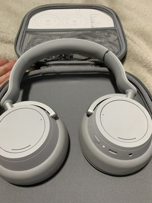 Microsoft Headphones - 15 Hours Wireless for Sale in Queens, NY