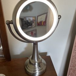 Double Sided Makeup Mirror for Sale in Auburn,  WA