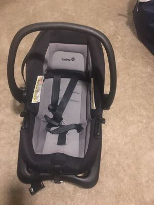 Baby 2 Car seats for Sale in Silver Spring, MD