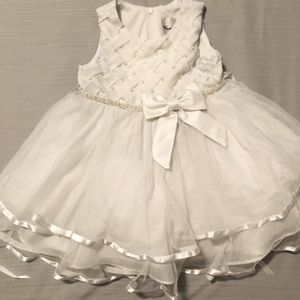 White Flower Girl Dress for Sale in Seattle, WA