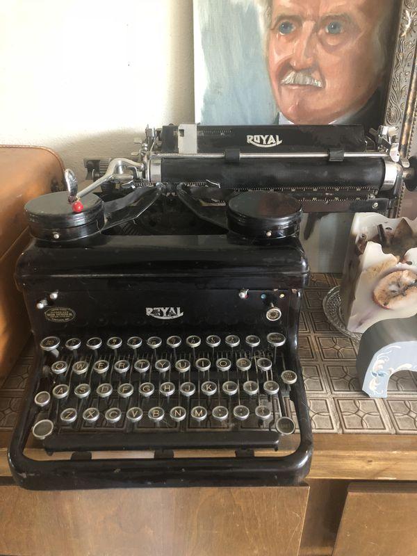 Royal 1930 Typewriter