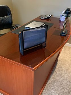 Desk And Credenza for Sale in Tinley Park,  IL