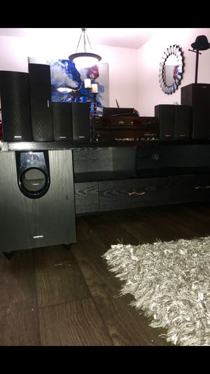 Onkyo Receiver, Subwoofer and 7 speakers Black for Sale in Guadalupe, AZ