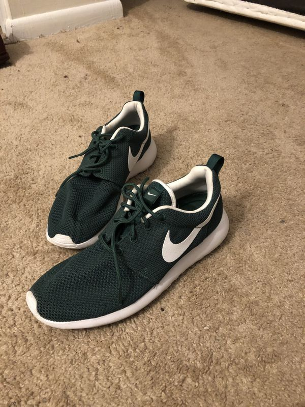 Nike Roshe One green/white size 8.5 men