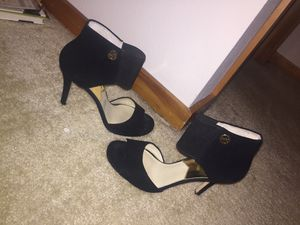 Size 9 Michael Kors heels for Sale in Seattle, WA