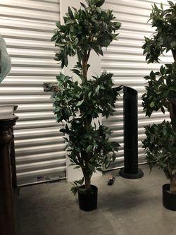 Artificial Laurel topiary trees for Sale in Bellevue,  WA