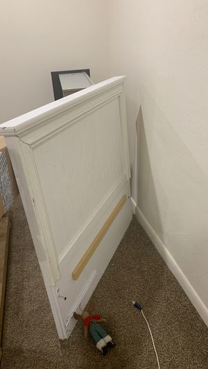 Free twin bed frame comes with all the pieces for Sale in Phoenix, AZ
