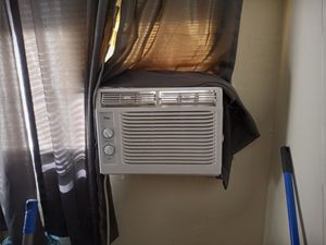 TCL ICE COLD AIR CONDITIONER WINDOW UNIT for Sale in San Diego, CA