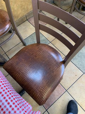 Table and chairs for Sale in Smyrna, TN