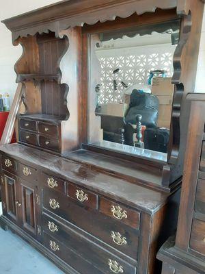 5 piece bedroom set. Solid wood. for Sale in Mesa, AZ