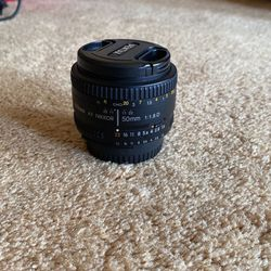 Nikon 50mm Fixed Lens for Sale in Fife,  WA