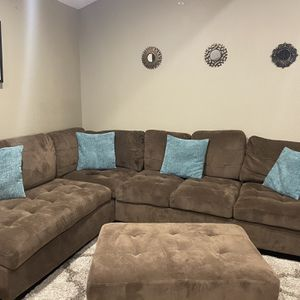 Couch for Sale in Gresham, OR