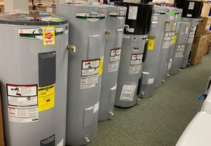 AO SMITH WATER HEATERS!!! LIQUIDATION SALE GAS AND ELECTRIC Q62O for Sale in Houston, TX