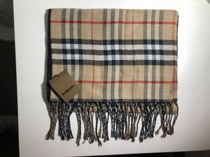 Burberry scarf *BRAND NEW* never worn with receipt and tags for Sale in Pittsfield, MA