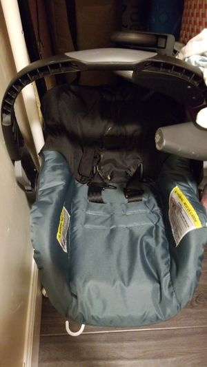 FREE FREE FREE CAR SEAT for Sale in South Gate, CA