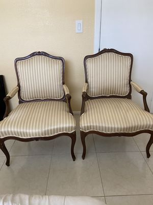 2 desk chairs for Sale in Tampa, FL