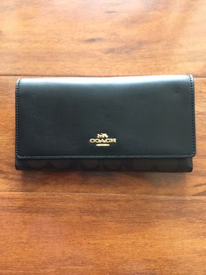 Coach trifold wallet for Sale in Hawthorne, CA