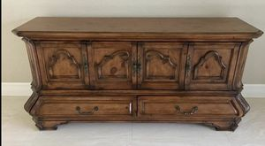 Gorgeous! Michael Amini / Aico Buffet! for Sale in Orlando, FL