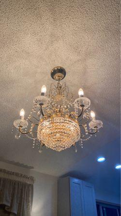 Classic Chandelier for Sale in Tukwila,  WA