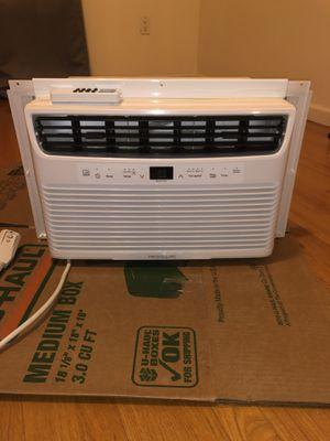 Frigidaire 5,000 BTU Window Air Conditioner for Sale in Brooklyn, NY