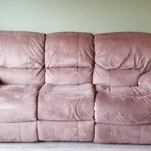 Couch for Sale in Redmond, OR