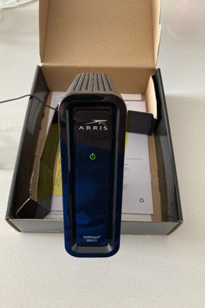 Motorola / Arris SURFboard Cable Modem 200 Series, Model SB6121 for Sale in Dallas, TX