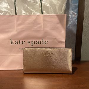 Authentic / Brand New Kate Spade Wallet for Sale in Miami, FL