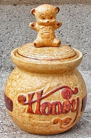 Mid century 1970s california pottery craft potterycraft art pottery honey jar pot w bear ! for Sale in Saginaw, MI