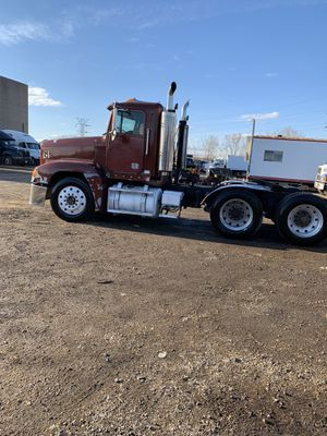 Freightliner FLD for Sale in Stickney, IL