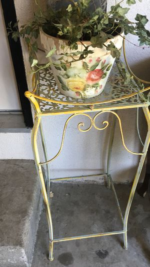 Plant Stand! for Sale in Modesto, CA