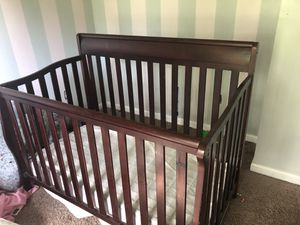 Baby crib for Sale in Byrnes Mill, MO
