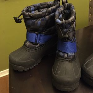 Kids Snow Boots Size 7c for Sale in Long Beach, CA