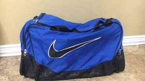 Nike large duffle bag for Sale in Burleson, TX