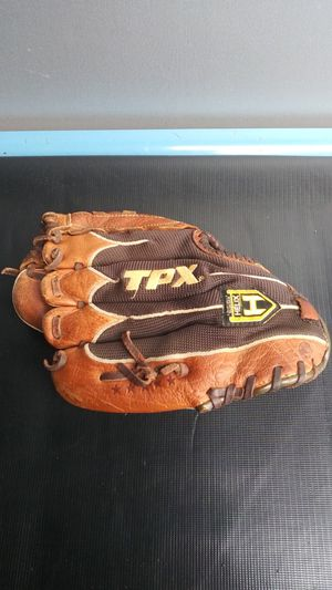 Louisville Slugger baseball glove (youth) for Sale in Vancouver, WA