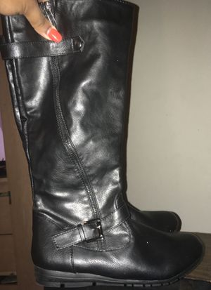 Woman's Flat Black Boots 7 1/2 for Sale in Rockville, MD