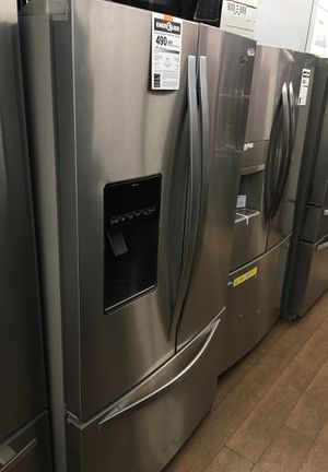 Whirlpool Bottom Freezer Fridge for Sale in Los Angeles, CA