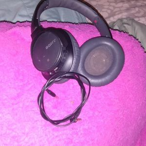 Sony Bluetooth Headphones Sound Cancelling for Sale in Winston-Salem, NC