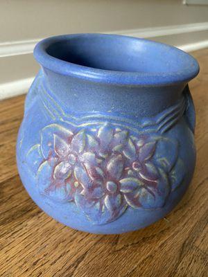 Vintage two handled vase for Sale in Alpharetta, GA
